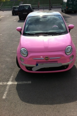 fiat 500 in pink