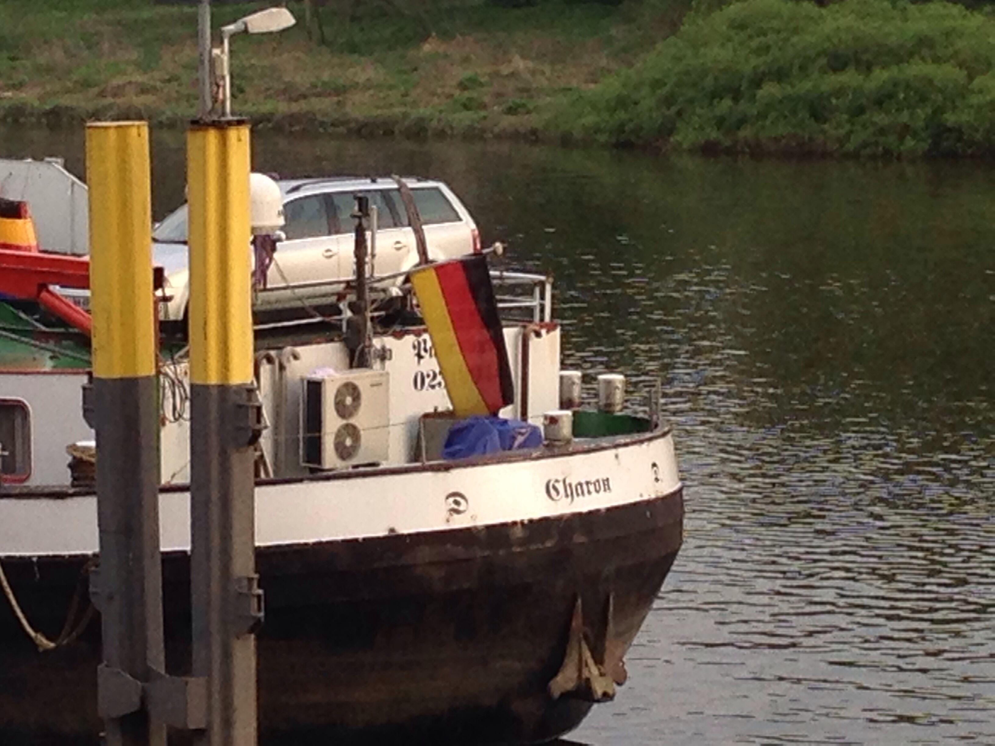 """Binnenschiff """"sharon"""" auf der Weser"""