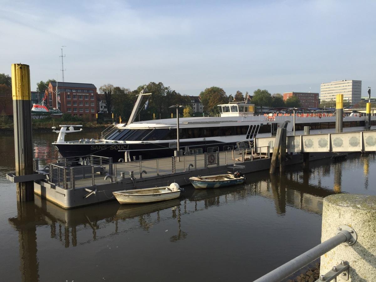 Passagierschiff Sans Souci in Bremen