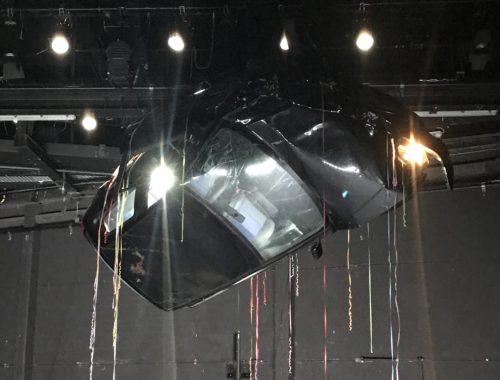 Crash Bühnenbild mit Autowrack im Theater Bremen